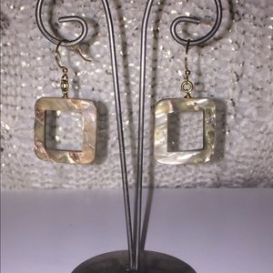 Jewelry - Gorgeous Mother of Pearl earrings-Boutique
